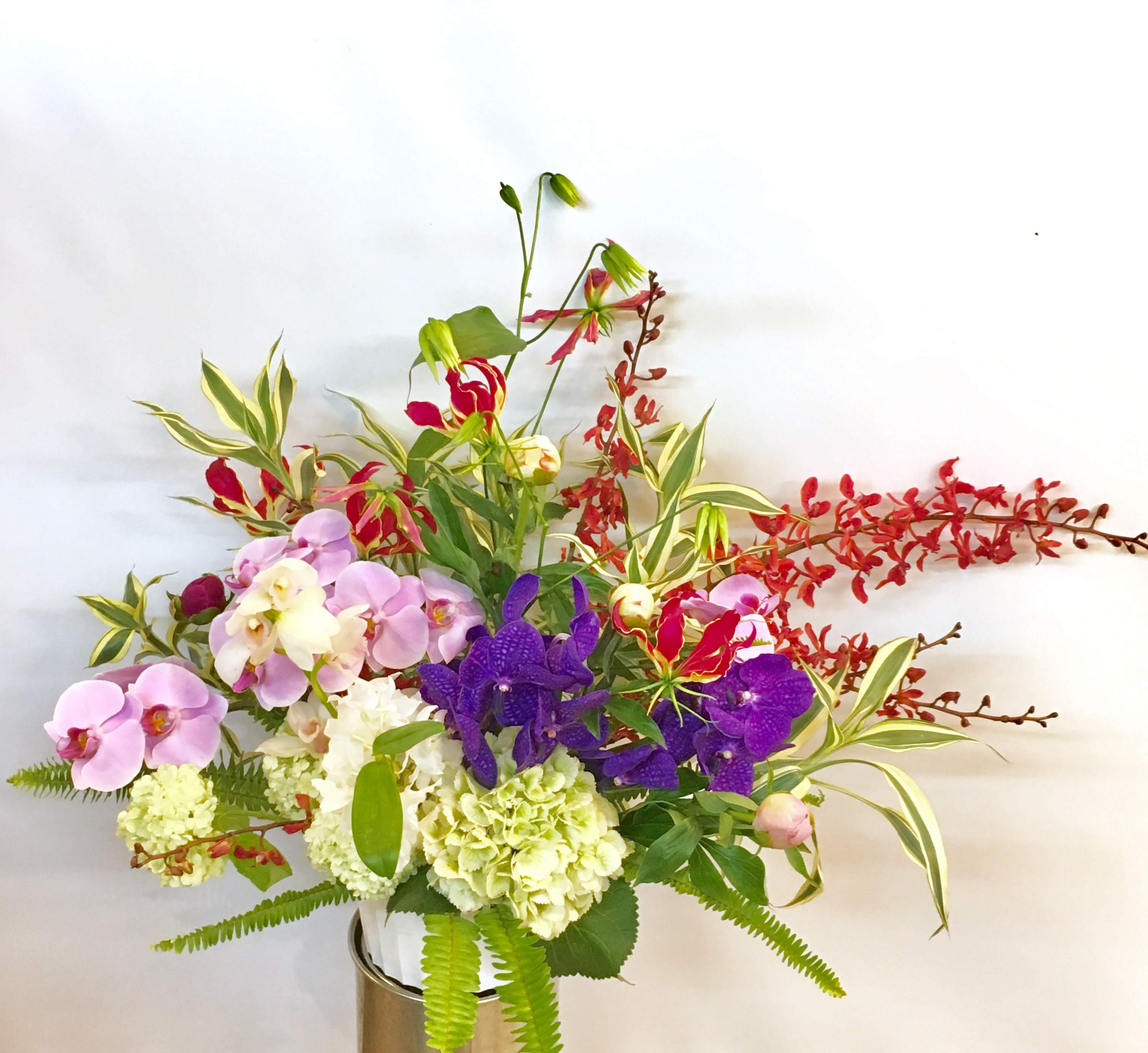 【ナオ花屋の納品事例45】横浜市関内の法人企業様より壺花を配達しました!