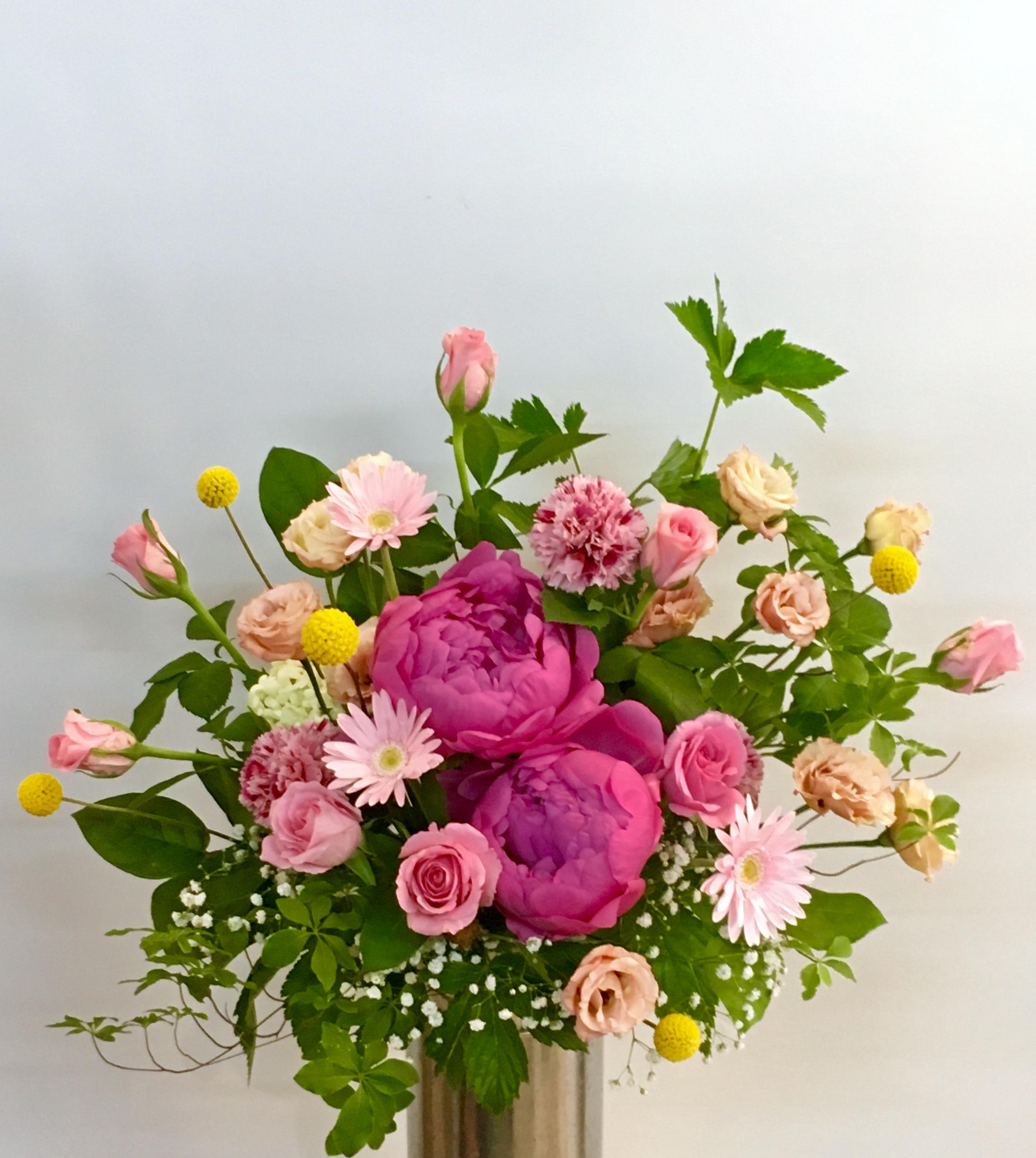 【ナオ花屋の納品事例37】横浜市関内の法人企業様へテーブル装花を配達しました!