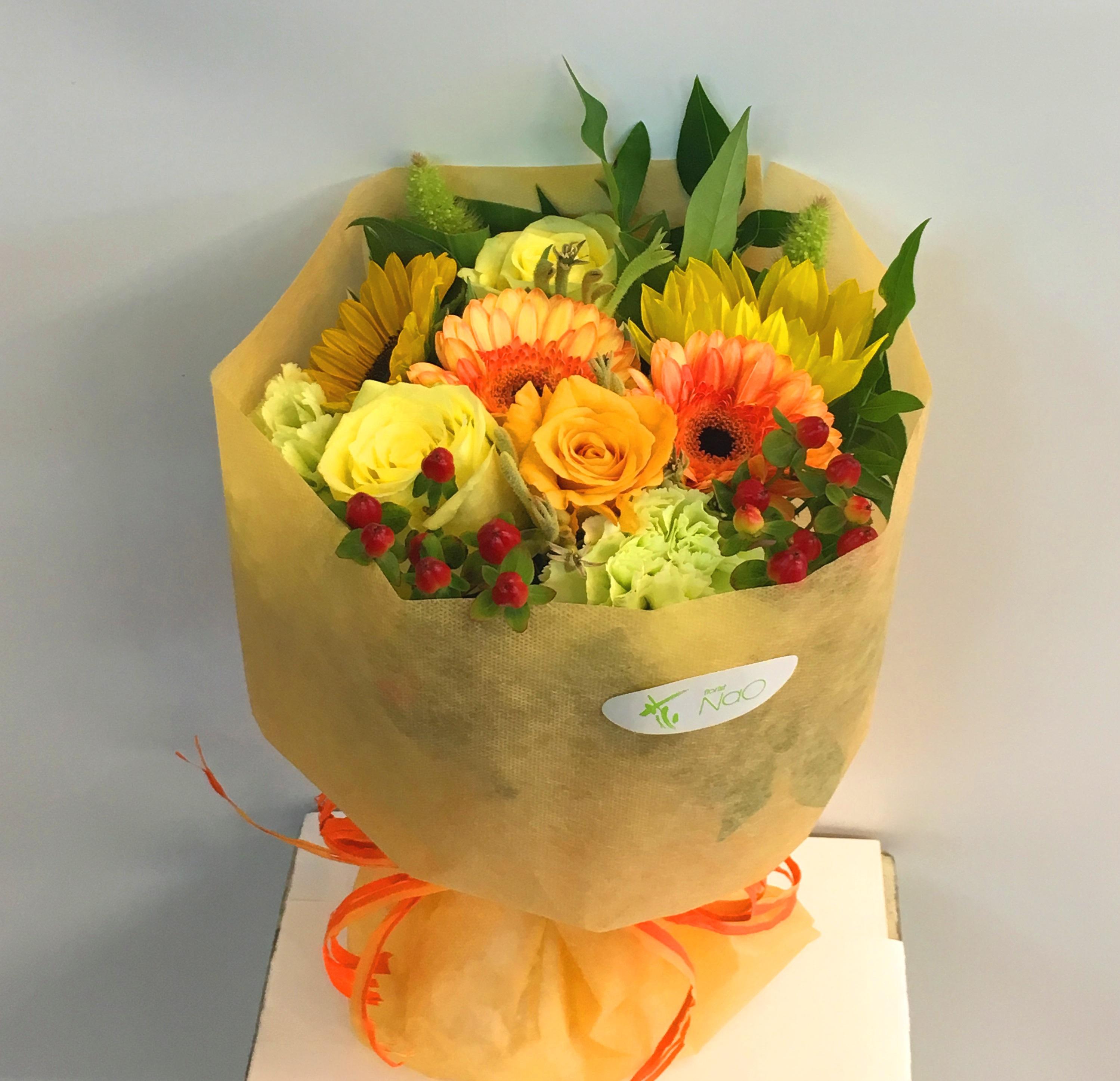 【ナオ花屋の納品事例51】横浜市中区関内の法人企業様へ花束を配達しました!