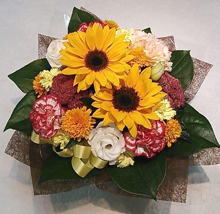 【ナオ花屋の納品事例61】横浜市関内の法人企業様へ受付花を配達しました!