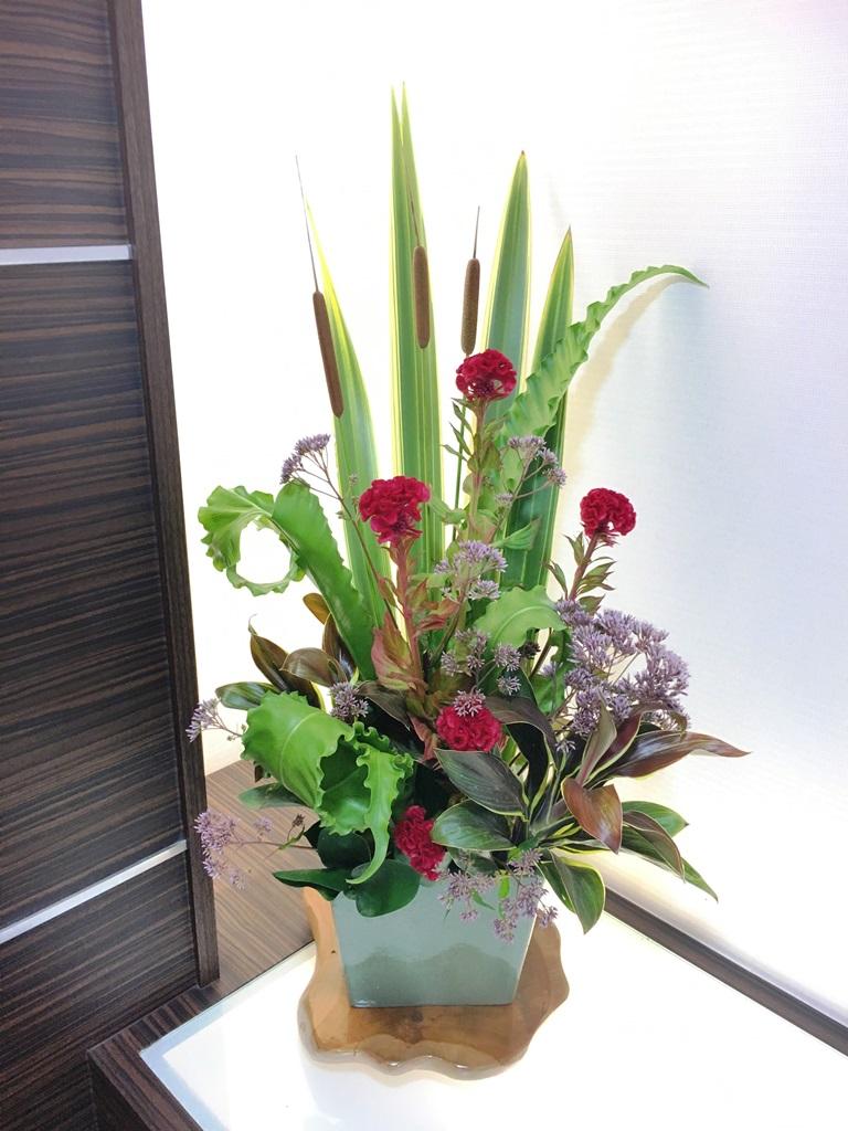 【ナオ花屋の納品事例99横浜市関内の法人企業様へ受付花を配達しました!