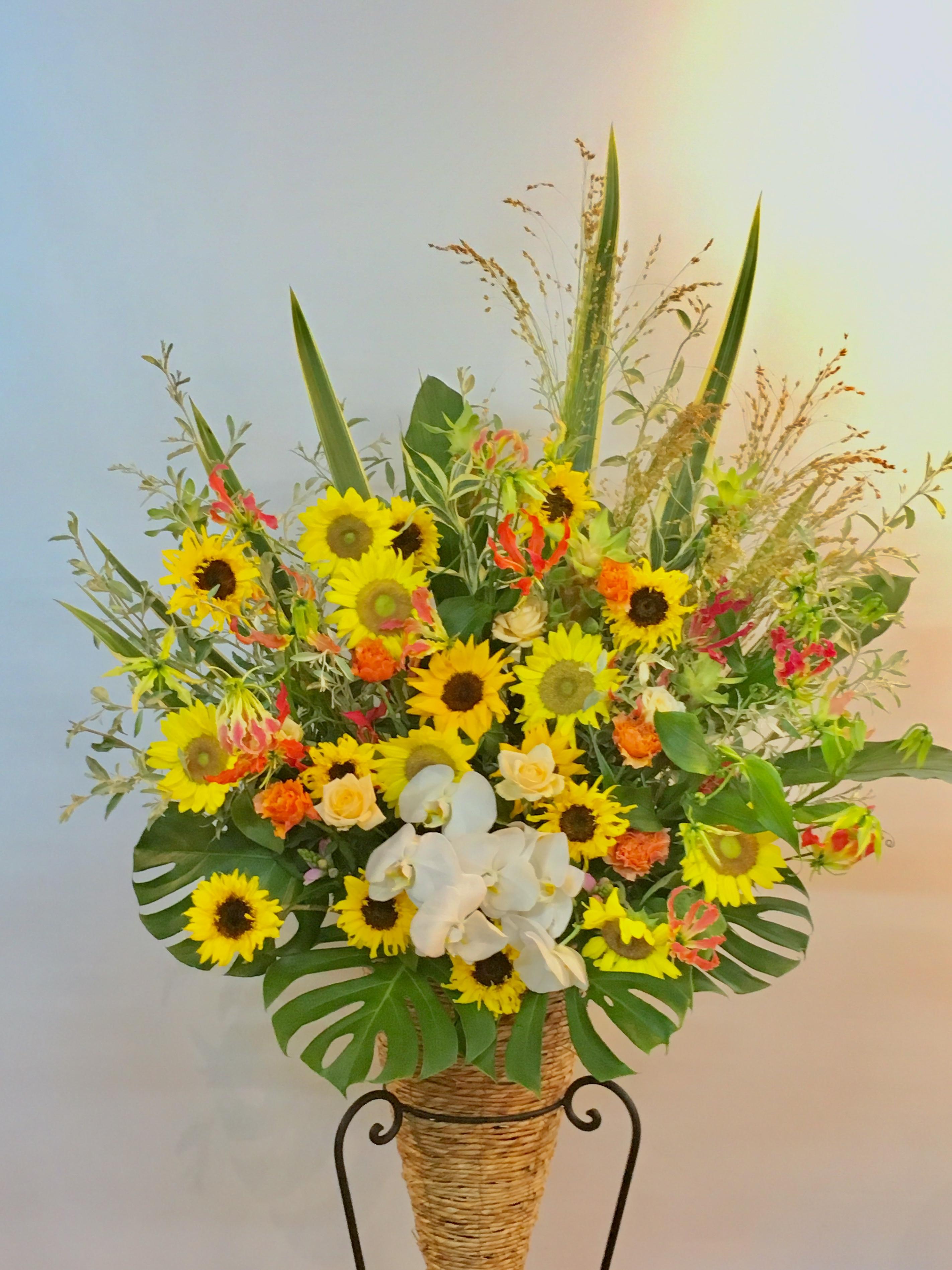【ナオ花屋の納品事例114】横浜市関内の法人企業様へスタンド花を配達しました!