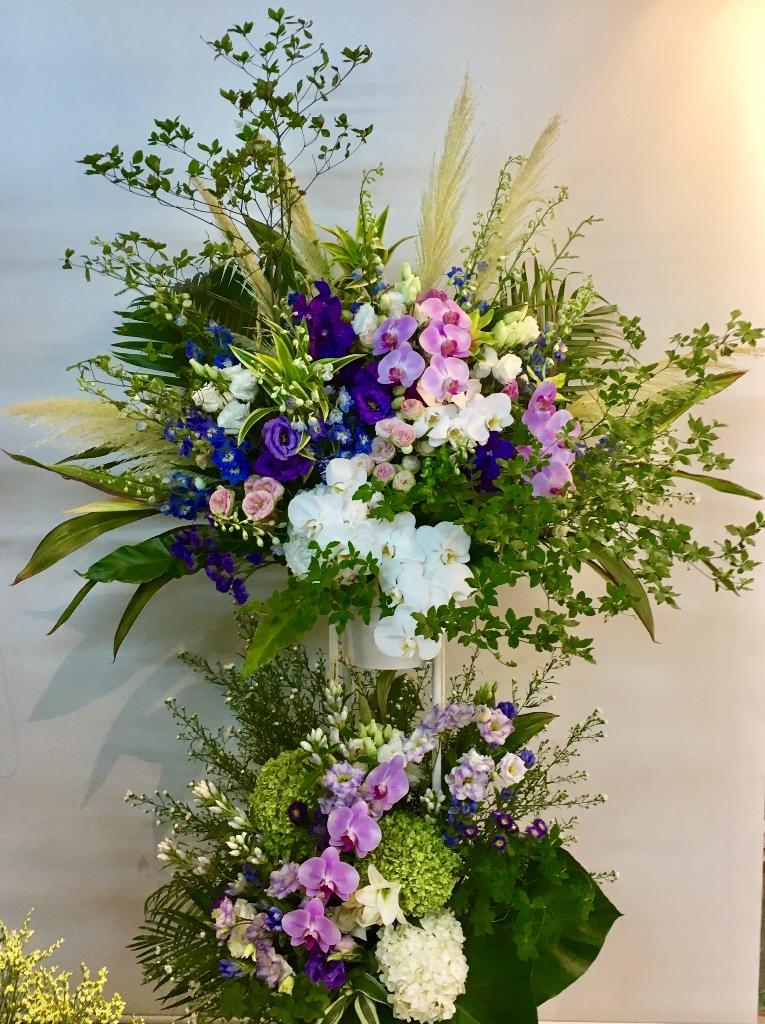 【ナオ花屋の納品事例121】横浜市関内の法人企業様へアレンジメントを配達しました!