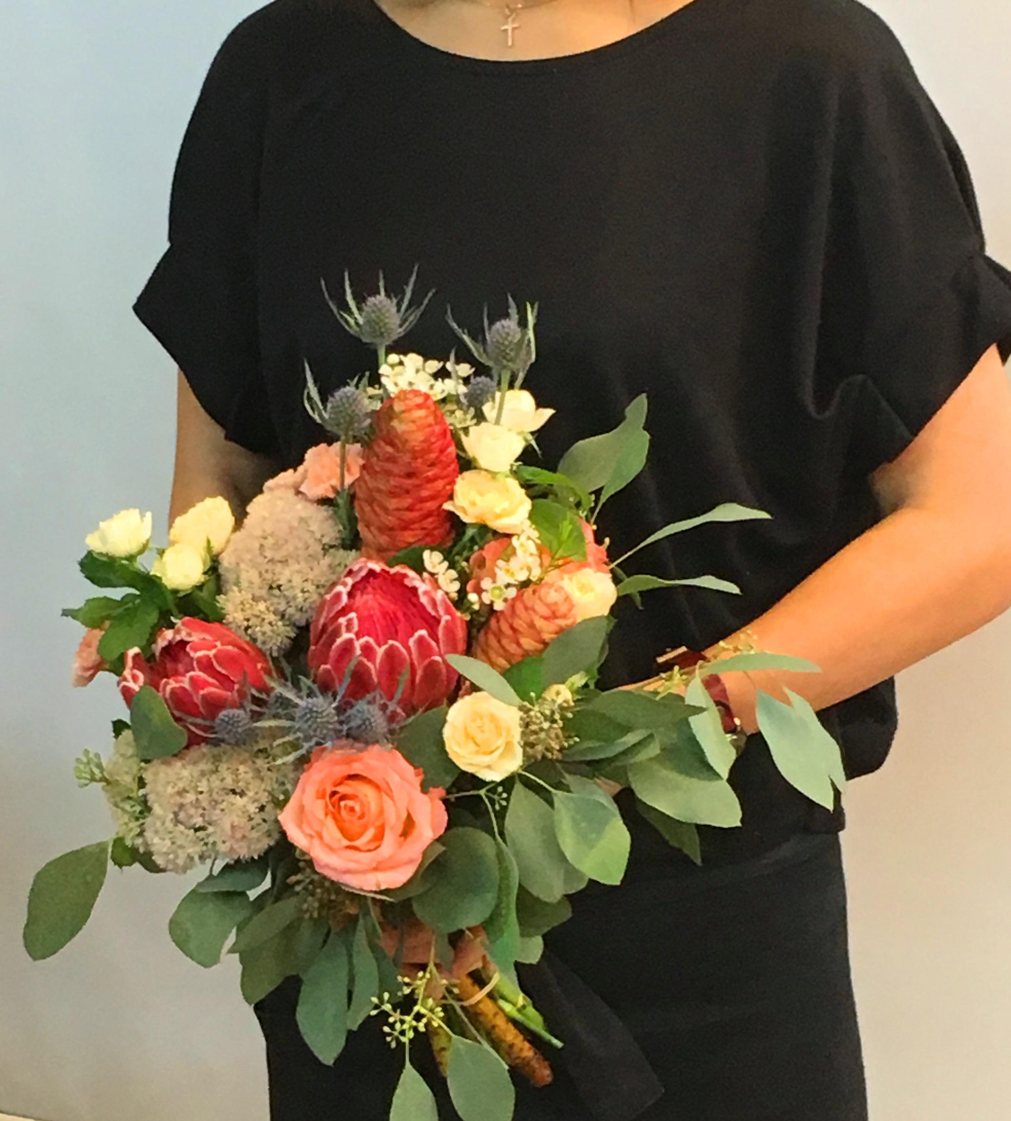 【ナオ花屋の納品事例134】横浜市桜木町みなとみらいの結婚式場へブーケを配達しました!