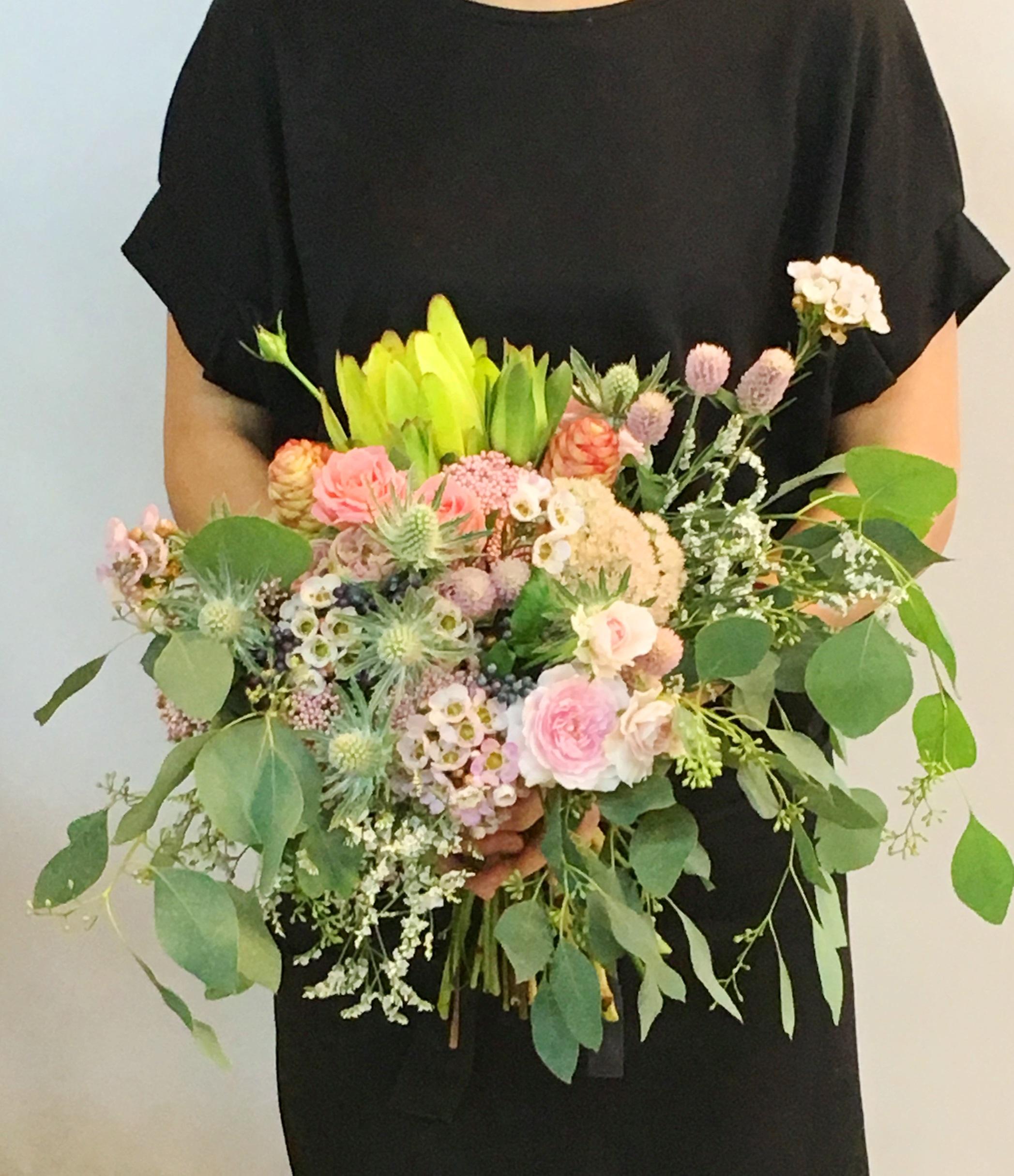 【ナオ花屋の納品事例135】横浜市西区南幸へカスミソウ花束を配達しました!