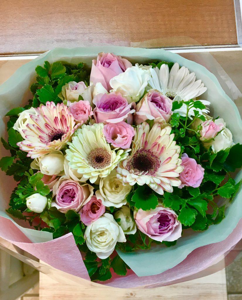 【ナオ花屋の納品事例131】横浜市中区関内長者町の法人企業様へブーケを配達しました!