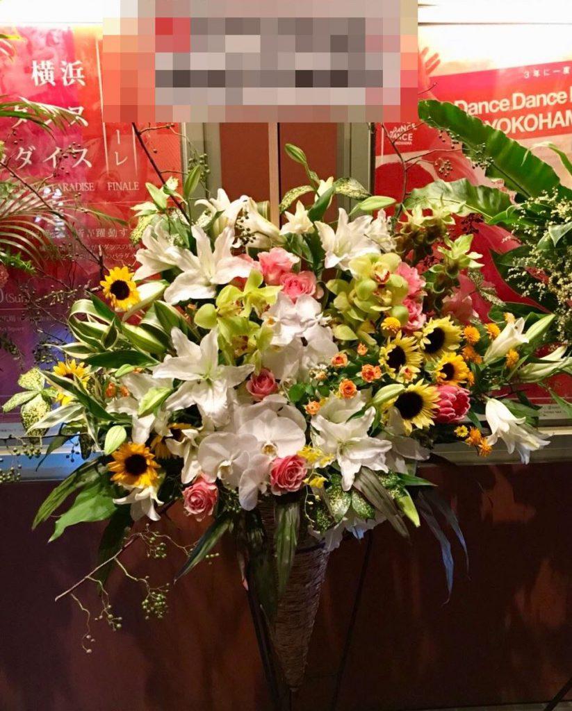 【ナオ花屋の納品事例128】横浜赤レンガ倉庫へスタンド花を配達しました!