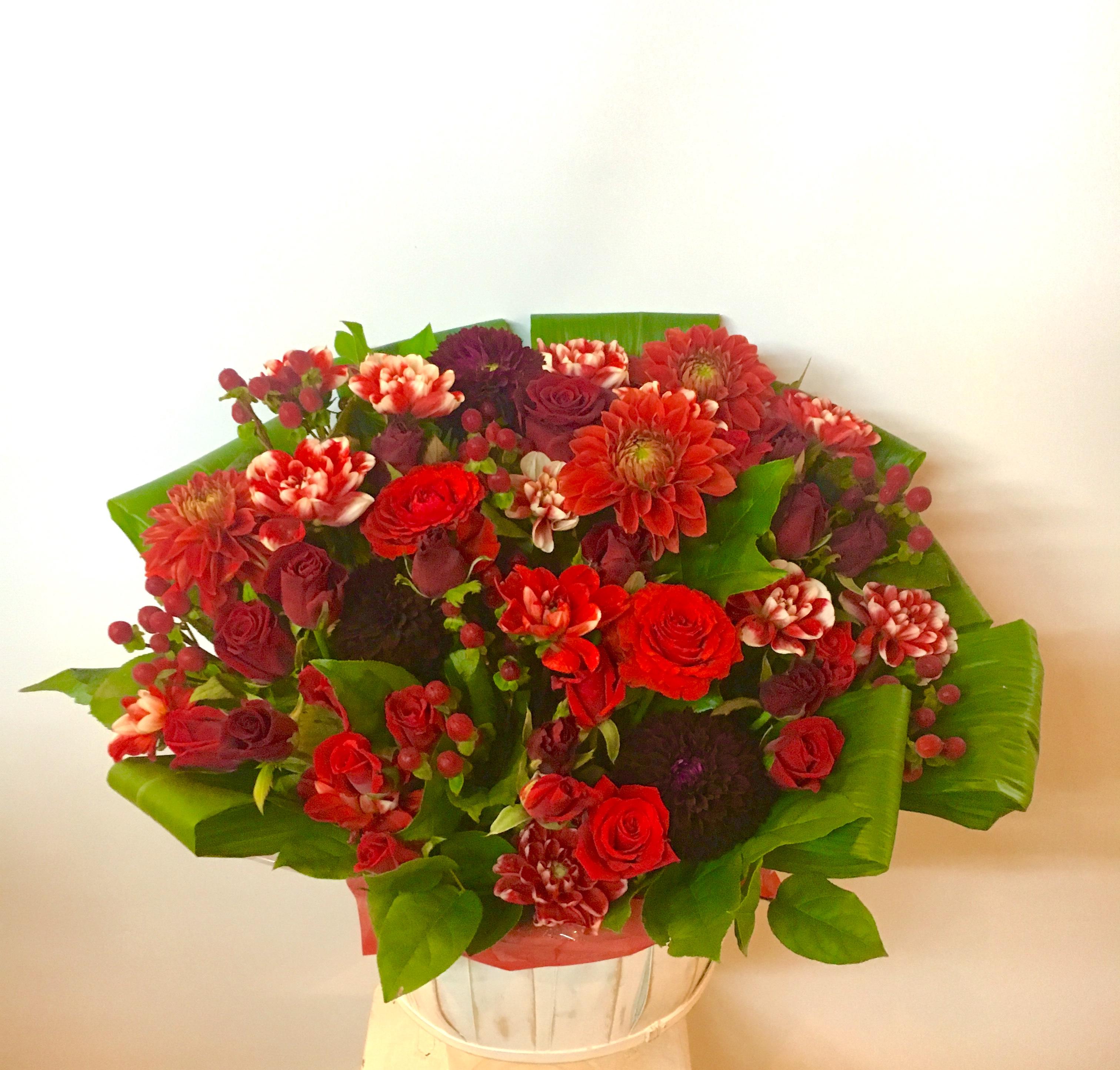 【ナオ花屋の納品事例148】横浜市関内イセザキモールの法人企業様へスタンド花を配達しました!