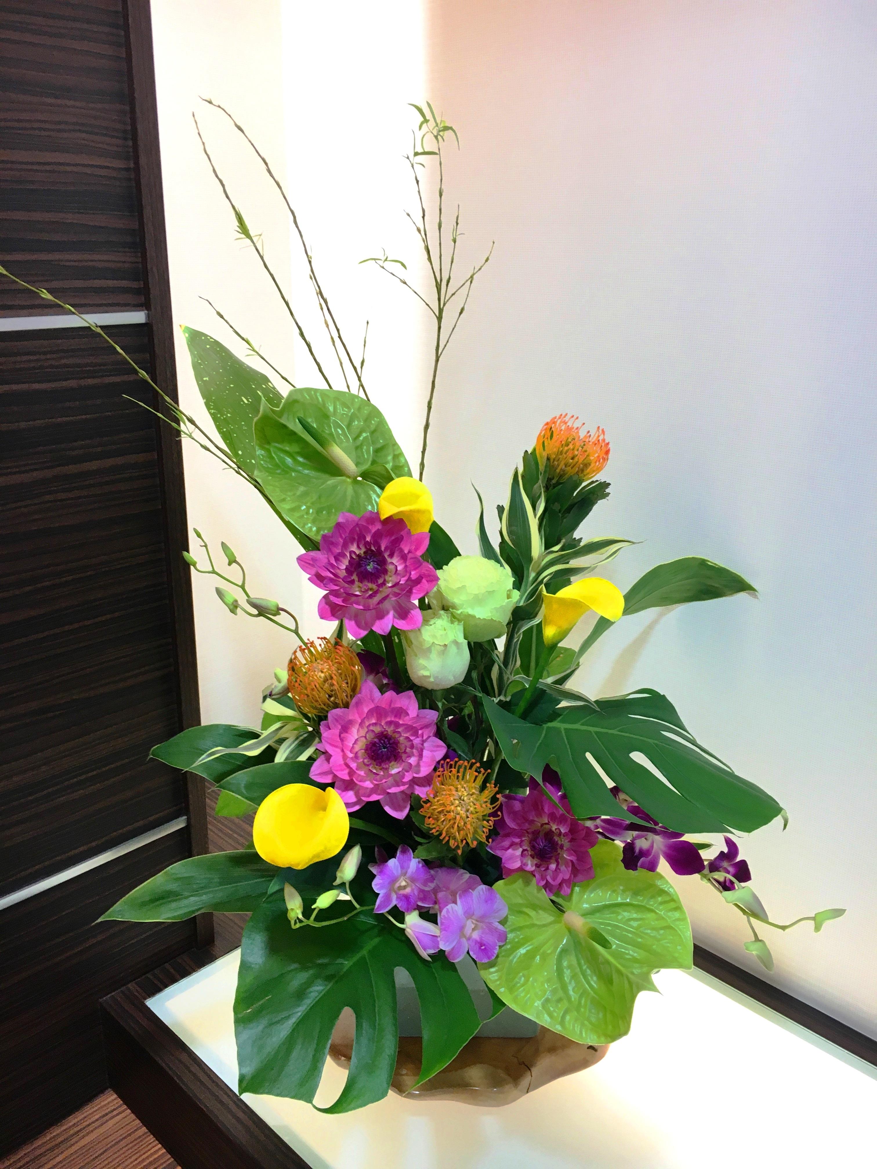 【ナオ花屋の納品事例170】横浜市西区高島の病院へアレンジメントを配達しました!