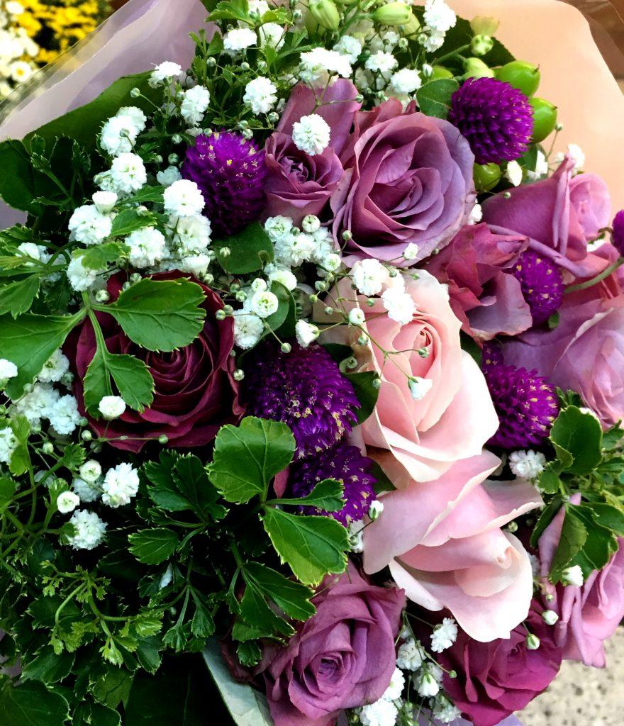 【ナオ花屋の納品事例198】横浜市関内馬車道の法人企業様へ花束を配達しました!