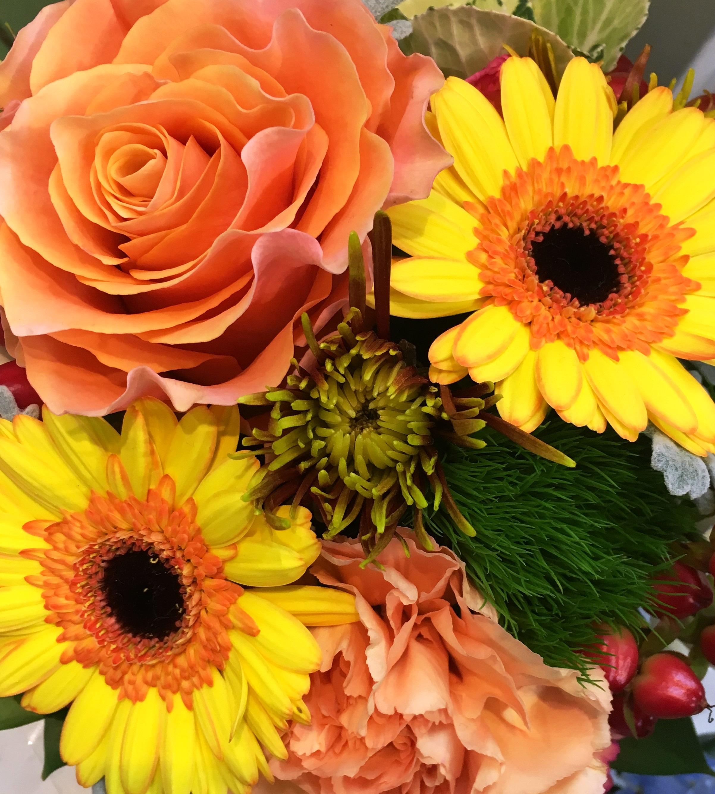 【ナオ花屋の納品事例251】横浜市関内へ花束を即日当日配達しました!