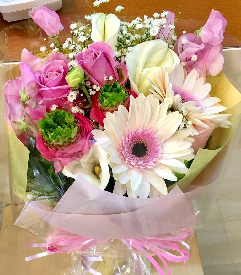 横浜ベイホールへスタンド花を即日・当日配達しました!【横浜花屋の花束・スタンド花・胡蝶蘭・バルーン・アレンジメント配達事例256】