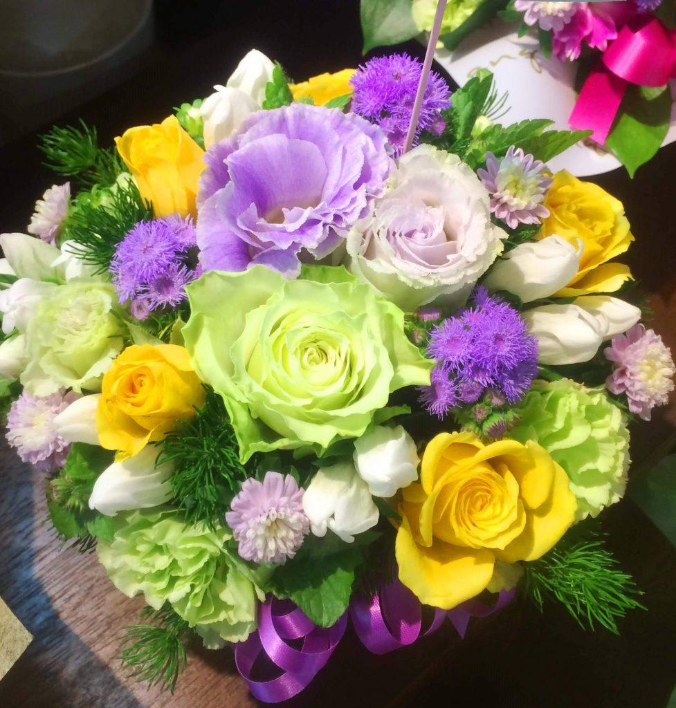 横浜関内へアレンジメントを当日即日配達しました!【横浜花屋の花束・スタンド花・胡蝶蘭・バルーン・アレンジメント配達事例383】