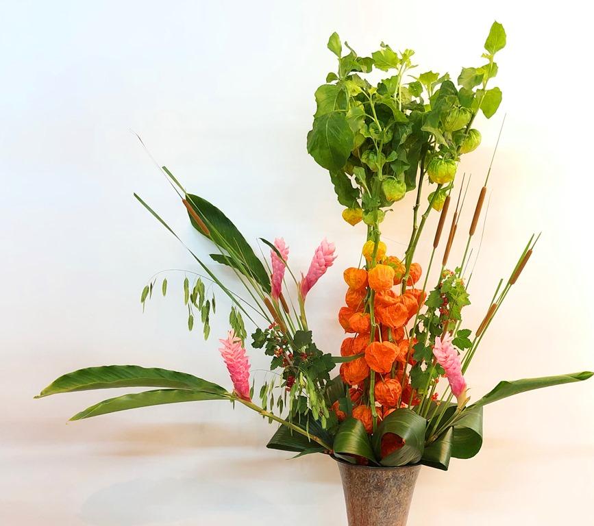 横浜市関内へバルーンアレンジを即日当日配達しました!【横浜花屋の花束・スタンド花・胡蝶蘭・バルーン・アレンジメント配達事例428】