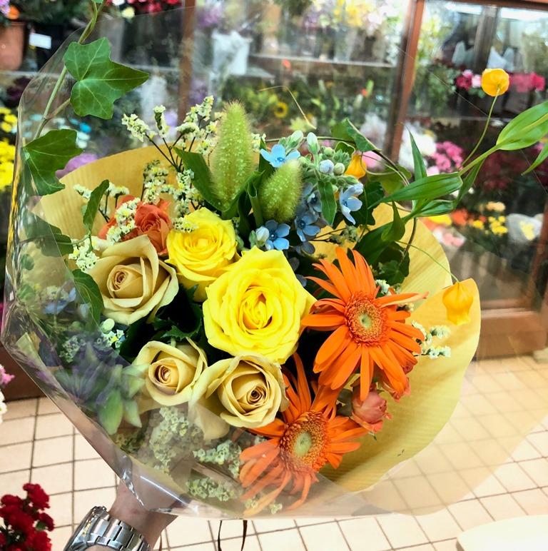 関内馬車道へ花束を即日当日配達しました!【横浜花屋の花束・スタンド花・胡蝶蘭・バルーン・アレンジメント配達事例423】