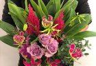 受付エントランス用の装花を活けこみました。【横浜花屋の花束・スタンド花・胡蝶蘭・バルーン・アレンジメント配達事例512】