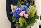 横浜ランドマークホールへバルーンスタンド花を配達しました。【横浜花屋の花束・スタンド花・胡蝶蘭・バルーン・アレンジメント配達事例561】