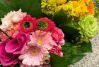 横浜市関内へアレンジメントを即日当日配達しました。【横浜花屋の花束・スタンド花・胡蝶蘭・バルーン・アレンジメント配達事例546】