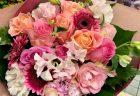 ギャラリーへフラワーアレンジメントを配達しました。【横浜花屋の花束・スタンド花・胡蝶蘭・バルーン・アレンジメント配達事例583】