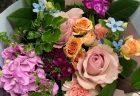 横浜市日本大通りへ花束を即日当日配達しました。【横浜花屋の花束・スタンド花・胡蝶蘭・バルーン・アレンジメント配達事例614】