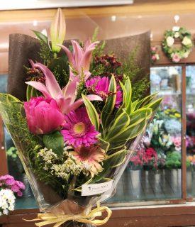 横浜市関内へ花束を即日当日配達させていただきました。【横浜花屋の花束・スタンド花・胡蝶蘭・バルーン・アレンジメント配達事例651】