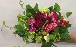 横浜市保土ヶ谷区へ花束を配達させていただきました。【横浜花屋の花束・スタンド花・胡蝶蘭・バルーン・アレンジメント配達事例669】