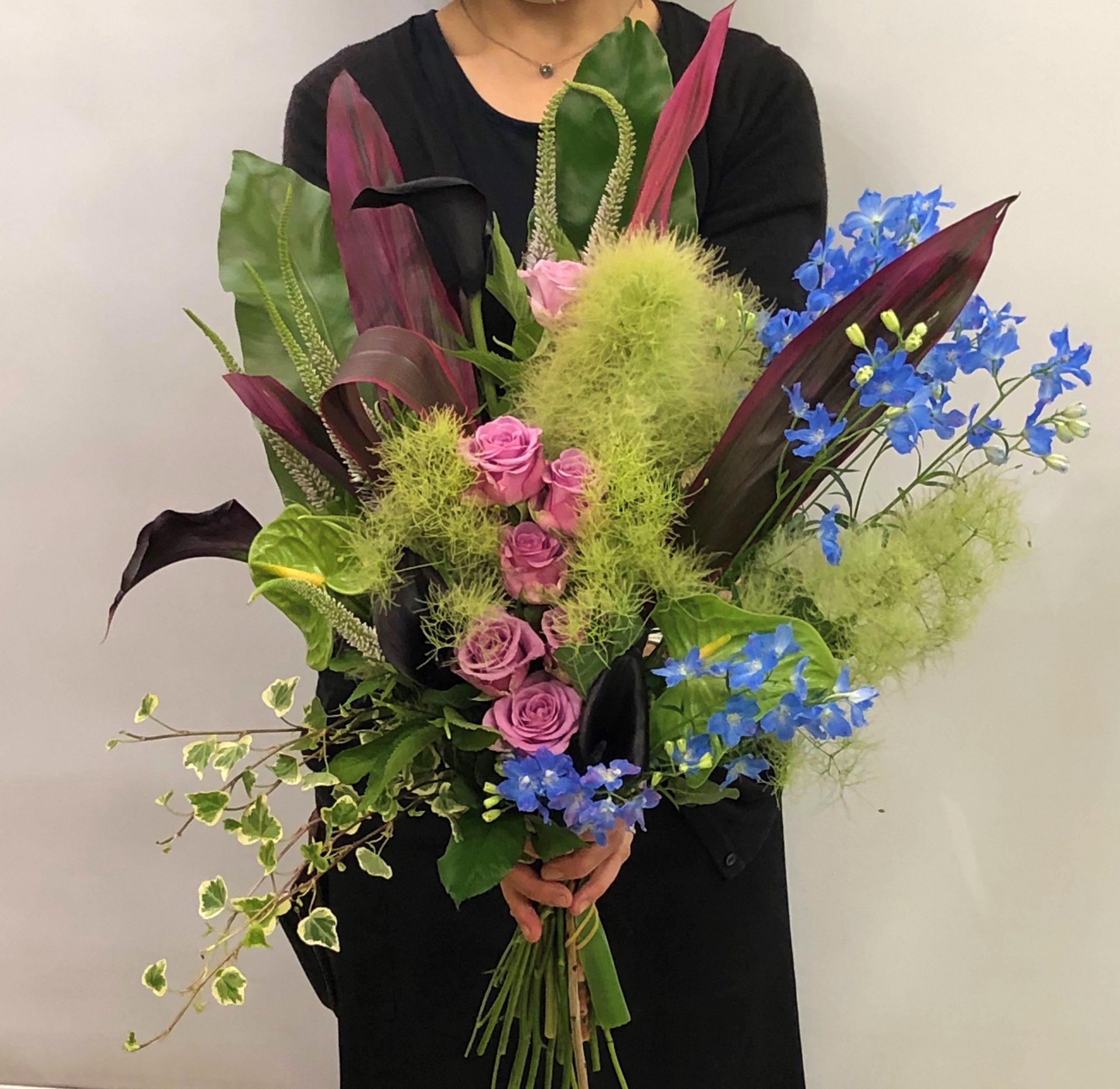 横浜みなとみらいへ花束を即日当日配達させていただきました。【横浜花屋の花束・スタンド花・胡蝶蘭・バルーン・アレンジメント配達事例682】