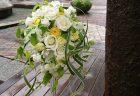 横浜ロイヤルパークホテルへバラの花束を配達しました。【横浜花屋の花束・スタンド花・胡蝶蘭・バルーン・アレンジメント配達事例707】