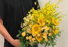 横浜市みなとみらいへ胡蝶蘭を配達しました。【横浜花屋の花束・スタンド花・胡蝶蘭・バルーン・アレンジメント配達事例723】