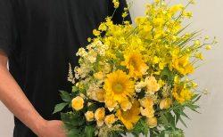 横浜市山手へ花束を即日当日配達しました。【横浜花屋の花束・スタンド花・胡蝶蘭・バルーン・アレンジメント配達事例722】