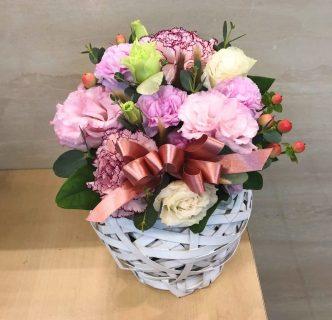 横浜市みなとみらいへフラワーアレンジメントを即日当日配達しました。【横浜花屋の花束・スタンド花・胡蝶蘭・バルーン・アレンジメント配達事例719】