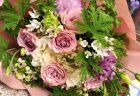 横浜市の某撮影現場へ花束を即日当日配達しました。【横浜花屋の花束・スタンド花・胡蝶蘭・バルーン・アレンジメント配達事例736】