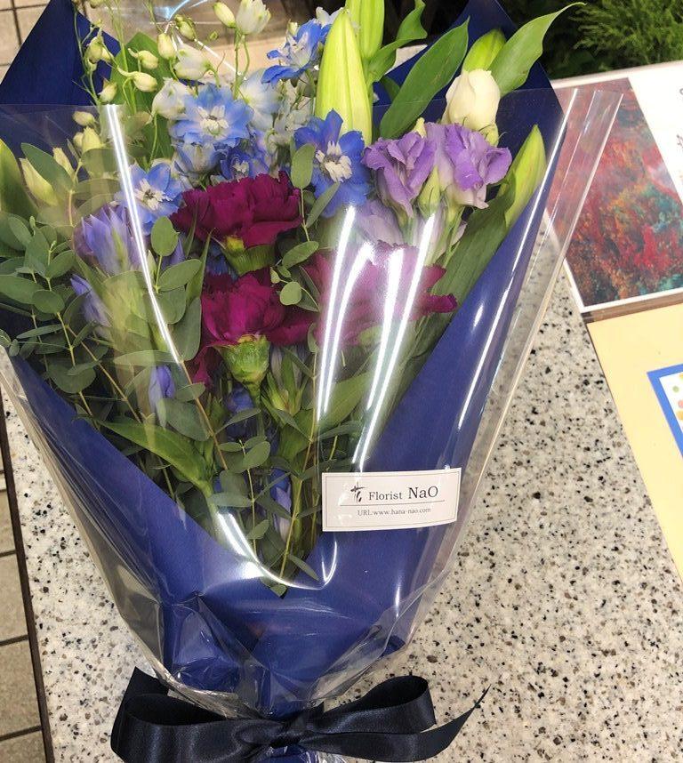 横浜市中区へ敬老の日用の花束を即日当日配達しました。【横浜花屋の花束・スタンド花・胡蝶蘭・バルーン・アレンジメント配達事例761】