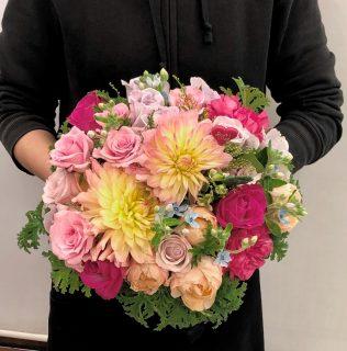 横浜市大平町へ花束(ブーケタイプ)を即日当日配達しました。【横浜花屋の花束・スタンド花・胡蝶蘭・バルーン・アレンジメント配達事例778】