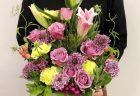 横浜市みなとみらいへスタンド花を即日当日配達しました。【横浜花屋の花束・スタンド花・胡蝶蘭・バルーン・アレンジメント配達事例798】