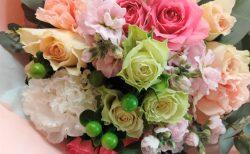 横浜市役所へ花束を即日当日配達しました。【横浜花屋の花束・スタンド花・胡蝶蘭・バルーン・アレンジメント配達事例889】