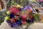 横浜7th avenueへフラワーバルーンスタンド花を配達しました。【横浜花屋の花束・スタンド花・胡蝶蘭・バルーン・アレンジメント配達事例927】