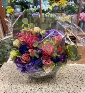 横浜市中区へ父の日アレンジメントを配達しました。【横浜花屋の花束・スタンド花・胡蝶蘭・バルーン・アレンジメント配達事例928】