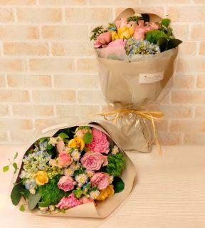 アニヴェルセル横浜みなとみらいへ贈呈花束を配達しました。【横浜花屋の花束・スタンド花・胡蝶蘭・バルーン・アレンジメント配達事例951】