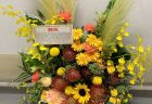 横浜市中区関内へアレンジメントを即日当日配達しました。【横浜花屋の花束・スタンド花・胡蝶蘭・バルーン・アレンジメント配達事例947】